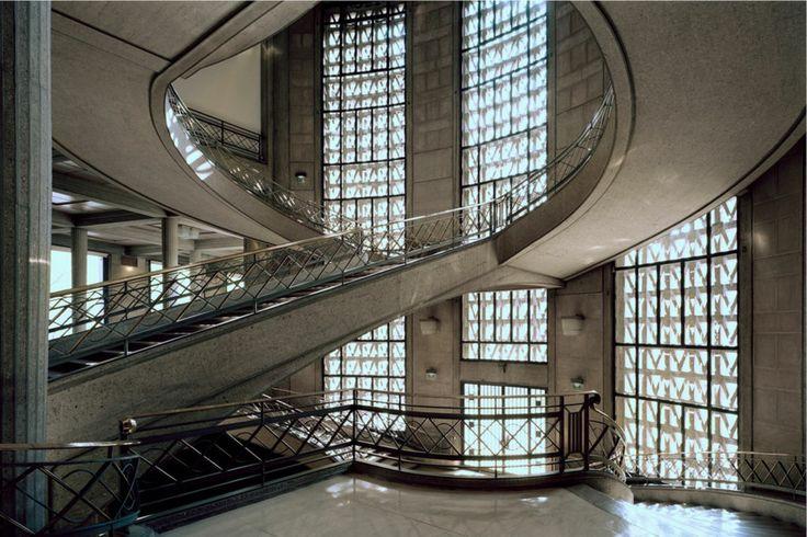 Escalier du palais d'Iéna (béton armé) - Auguste Perret
