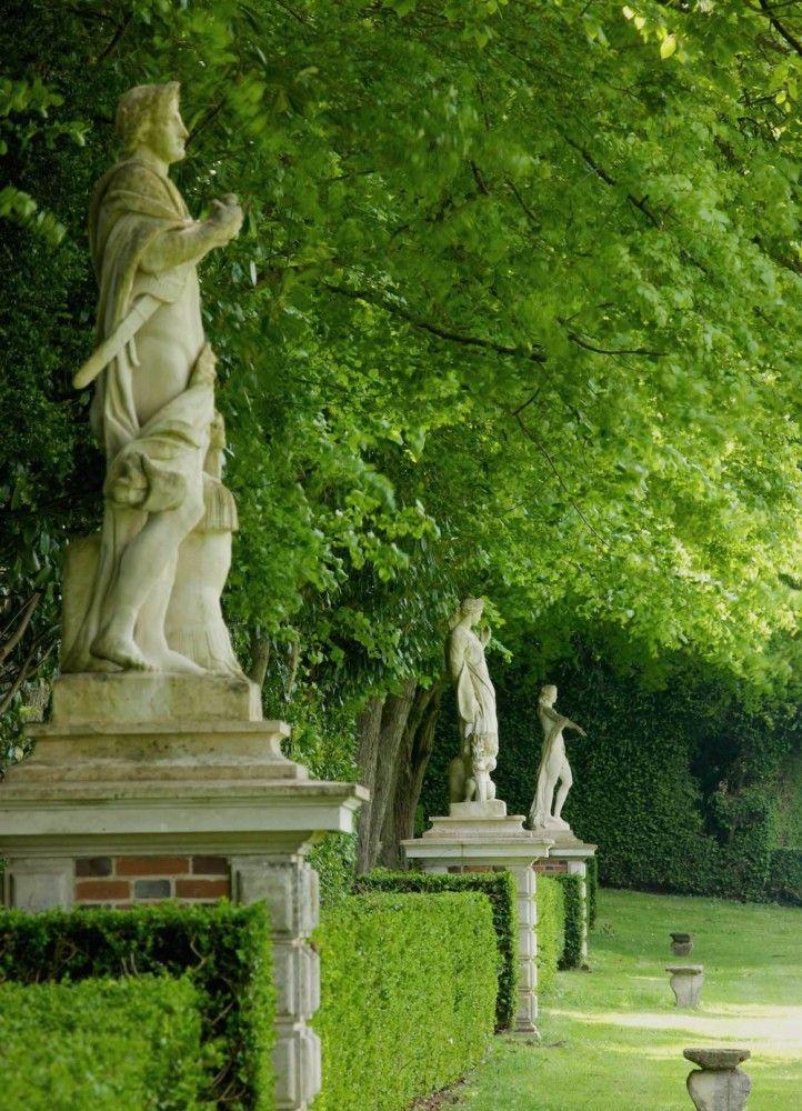 Statues du #parc #jardin à la #française
