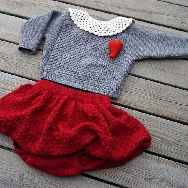 Dressed up & ready for a Christmas Party ☃ -PETITE BABY COLLAR -PETITE BAT BLOUSE -PETITE BALLOON BLOOMERS  #christmasknit #dressedup in #knit #party #christmasspirit #knitforkids #weloveknitting #christmasoutfits #knitstagram #babycollar #xmasknit #❤ #strikkeglede #babybluse #jentestrikk #babybloomers #strikk #vinterstrikk #petitebabycollar #petiteflagermus #petiteballoonbloomers from #petitesomething