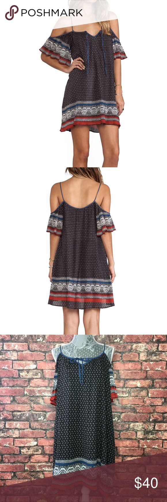 Free People Printed Cold Shoulder Bohemian Dress The perfect dress for festivals or a nice sunny day. Adjustable straps. In great condition. Bust 19in Length 30in (Measured from chest) Free People Dresses