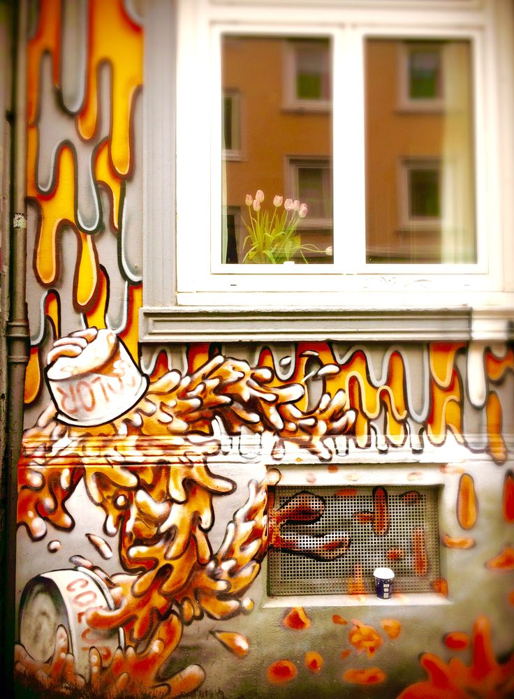 Hamburg Meine perle ⚓️#streetphotography #sprayart #wall #graffitiigers #stencil #streetartistry #stickerart #pasteup #instagrafite #streetarteverywhere #walls #muralart #grafflife #graffitiwall #streetartandgraffiti #urbanartist #coloursplash #urbanphotography #graffity #graffityart #solider #banksy #hamburg #amazing #deutschland #art #beautiful #blue #red