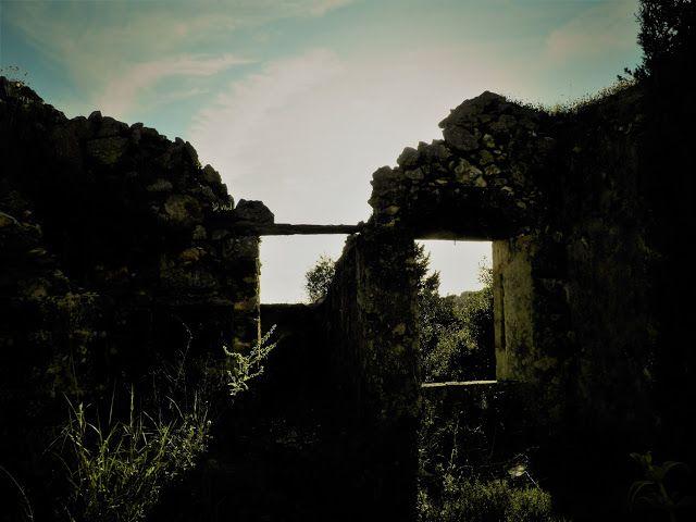 M  o   m   e   n   t   s   b   o   o   k   .   c   o   m: Για κάποιους τα ερείπια είναι απλά χαλάσματα ... Γ...