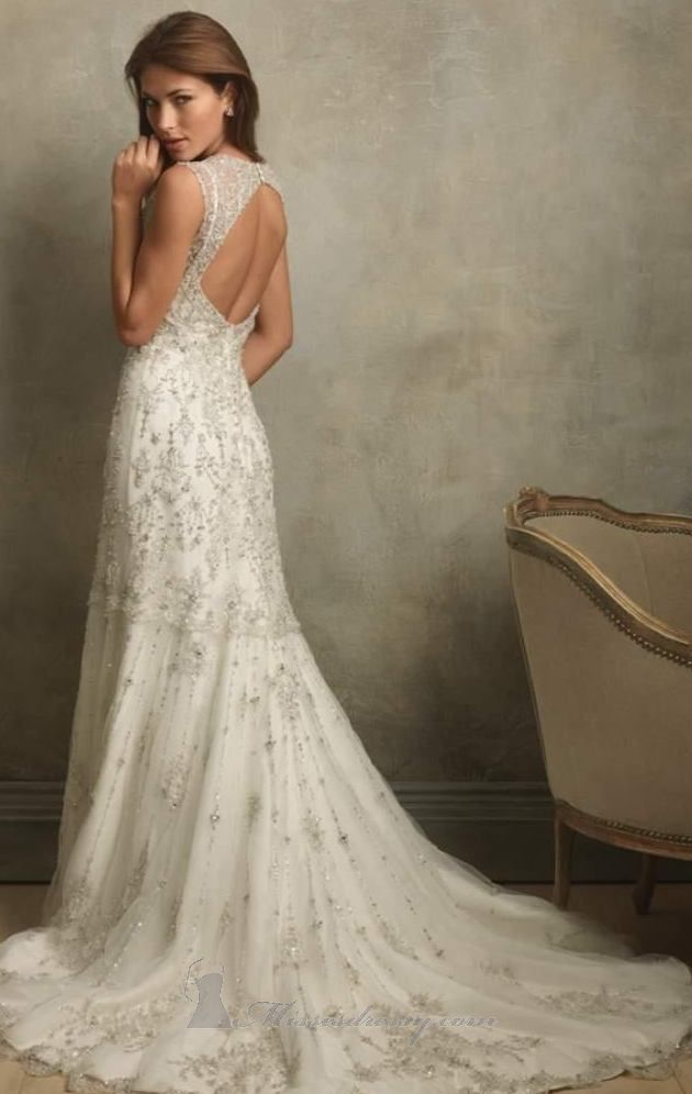 So perfect! Vintage style gown