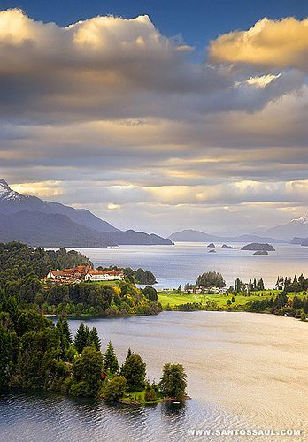 Exploring the beautiful mountain town of Bariloche, Argentina is high on my boomer bucket list. Have you been?