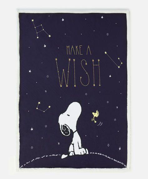 Manta Snoopy - Mantas - Tendencias AW 2016 en moda de mujer en Oysho online: ropa interior, lencería, ropa deportiva, pijamas, moda baño, bikinis, bodies, camisones, complementos, zapatos y accesorios.