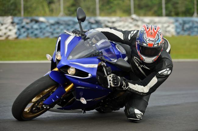 Ribuan Motor Yamaha YZF-R1 Dan Super Tenere Direcall - Vivaoto.com - Majalah Otomotif Online