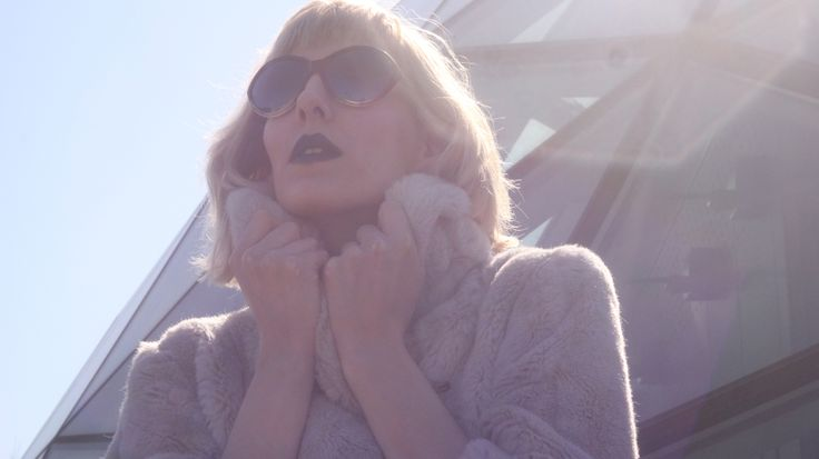 "JULIE / VIDEO STILL FROM THE MIUS ""TESSELLATION"" ALBUM PREMIERE CONCERT VJ SET. / BY JANOS VISNYOVSZKY FILMS"