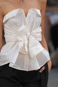 Man's white shirt as a tube top. Learn the 7 unique ways how to wear man's shirt >>> http://justbestylish.com/7-unique-ways-how-to-wear-mans-shirt/