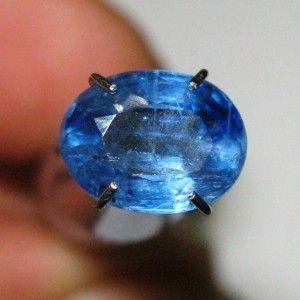 Kyanite Biru 1.53 carat Warna Elegan