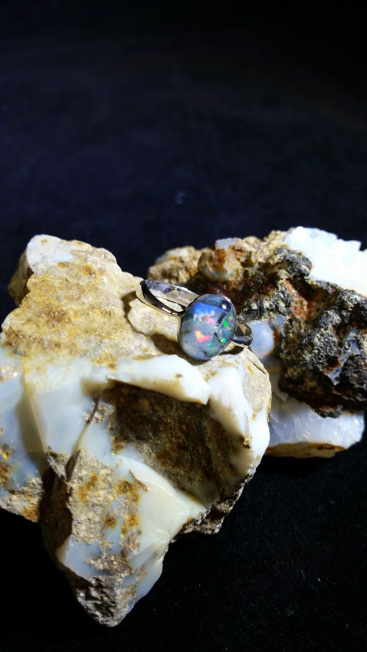 Slovakian opal. handmade ring. 585/1000. precious opal - Slovakian opal. mosaic