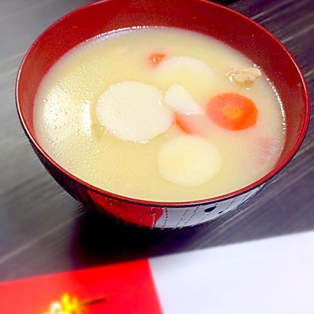 むかし、当時の彼氏のおかんに教えていただいた、大好物の白味噌のお雑煮です◡̈♥︎  もうずーーっとこの味♡ - 138件のもぐもぐ - 白味噌のお雑煮◟́◞̀♡ by sakurapandasan