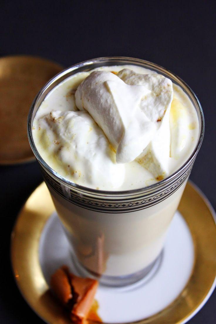 Mleko krówkowe z chrupiącymi migdałami w karmelu