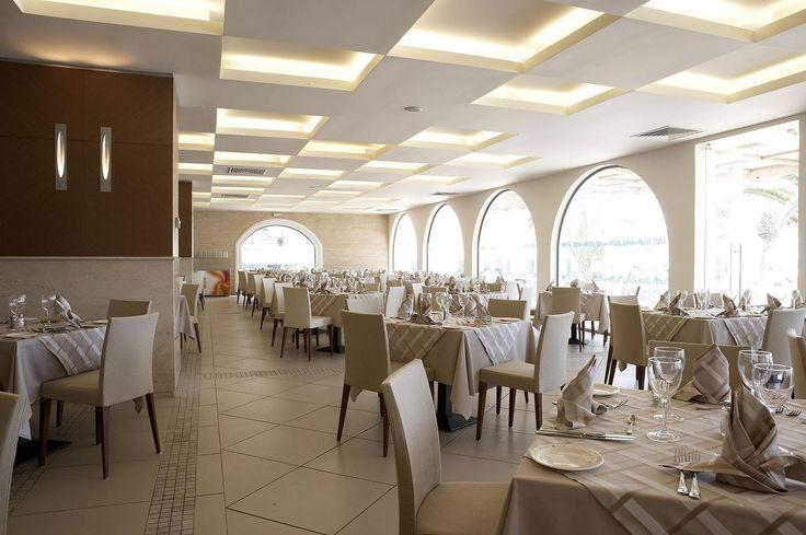 Vis a Vis Main Restaurant