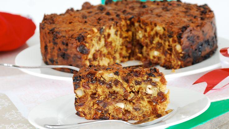 Karácsonyi sütemény egészségesen, olajos magvakkal és aszalt gyümölccsel. Igazi ünnepi hangulatú diétás recept!