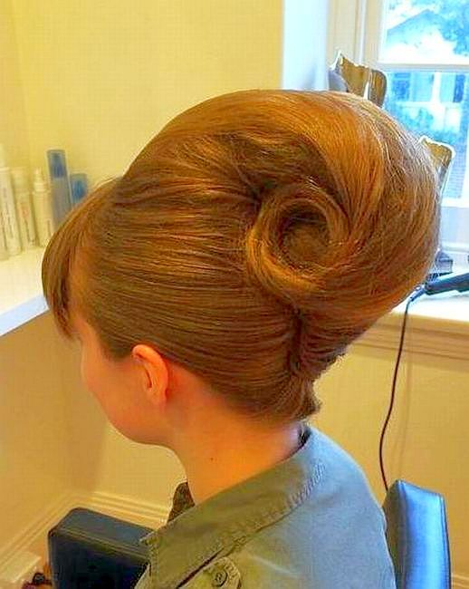 Modern Vintage Hair French Roll Coiffures