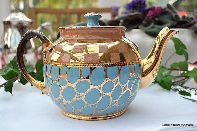 Vintage Sadler Teapot by cake-stand-heaven, via Flickr