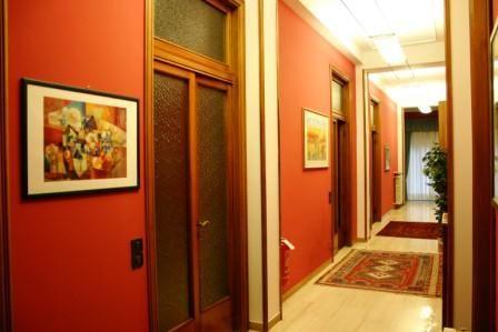Risultati immagini per corridoio studio legale