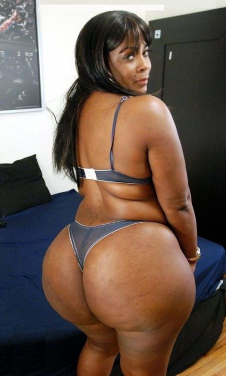 Big butt black milf