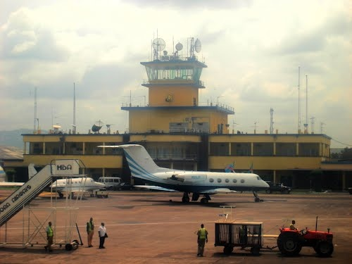 Aéroport de N'djili - Kinshasa - where Sinclair thought she was going to have a run of the mill stop over for 3 hours......