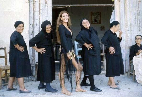 Raquel Welch in Karmi village (Cyprus) posing with a few local girls :) ... I think this photo is a gem!