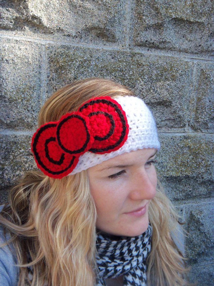 crochet hello kitty bow earwarmer. @Sandra Pendle Pendle Pendle Arreola-Johnson