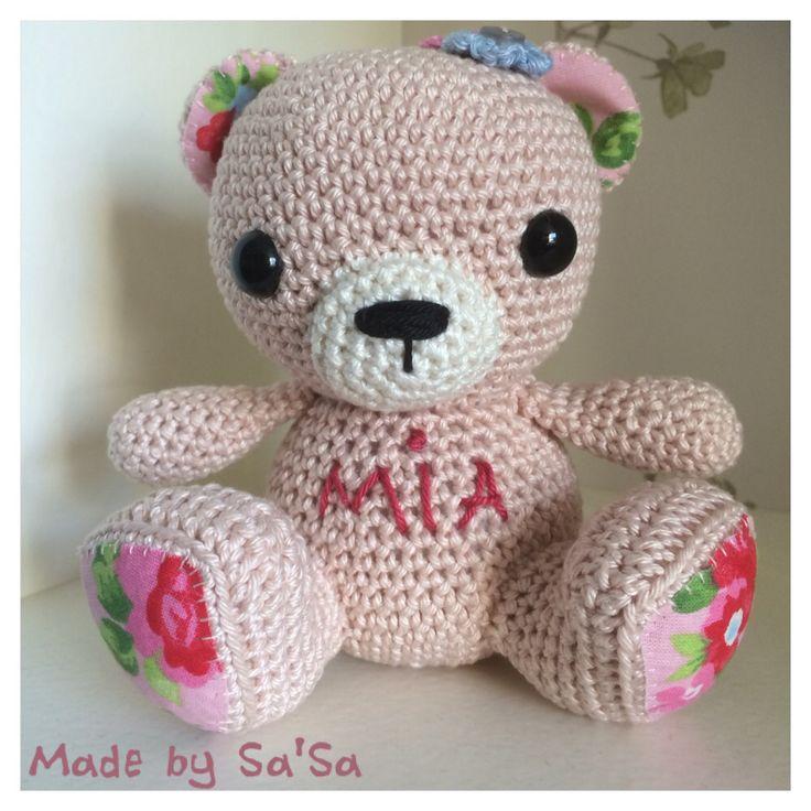 ❤️ Made by Sa'Sa - Opdracht: Beertje Mia gehaakt voor kleine baby Mia.