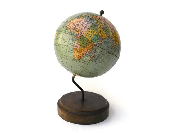 1000 id es sur le th me globe terrestre sur pinterest mappemonde globe globe terrestre. Black Bedroom Furniture Sets. Home Design Ideas