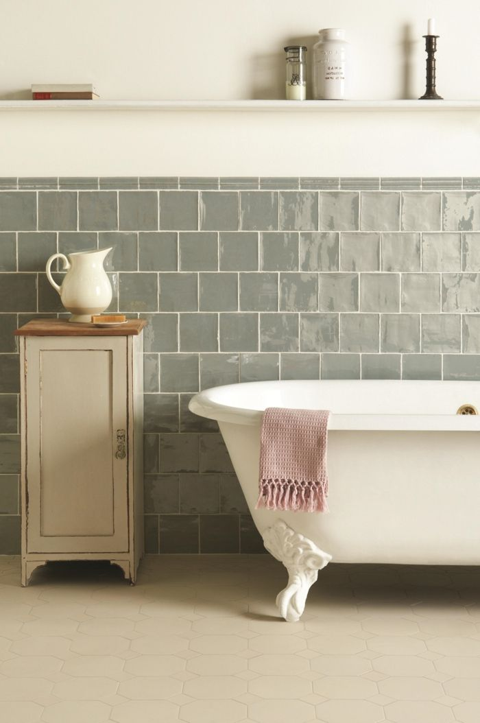 Les 25 meilleures id es concernant salles de bains vintage for Carrelage retro