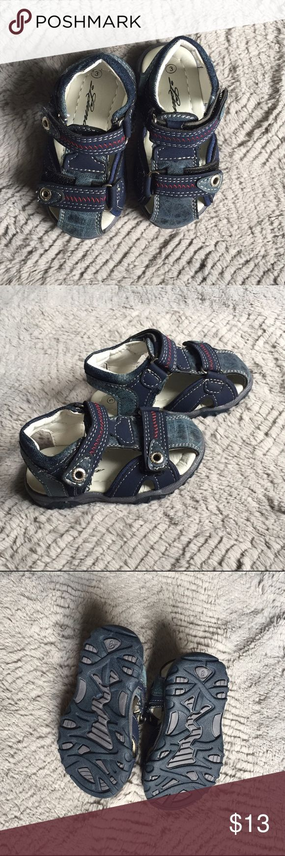 NWOT Blue Boy Sandals Brand new boys sandals. Labeled 3 but fit like a 4. Never worn, were too big for my son when he wore a 3 then the summer ended so he never wore them. Luna Shoes Sandals & Flip Flops