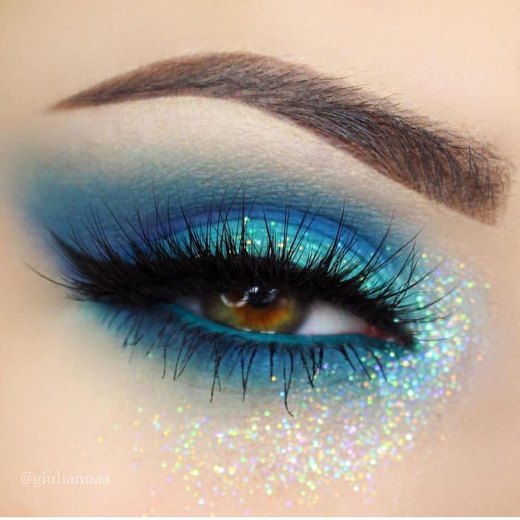 Some gorgeous eye inspiration for all you mermaid babes! @giuliannaa  by sugarpill