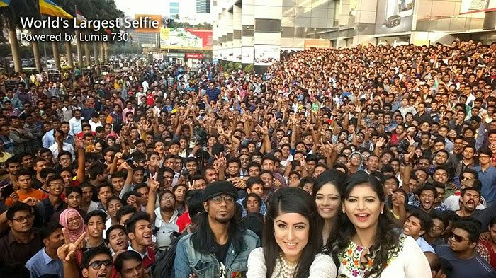 World Largest #Selfie in Bangladesh (1150 Person)  Powered by Lumia 730 #Microsoft
