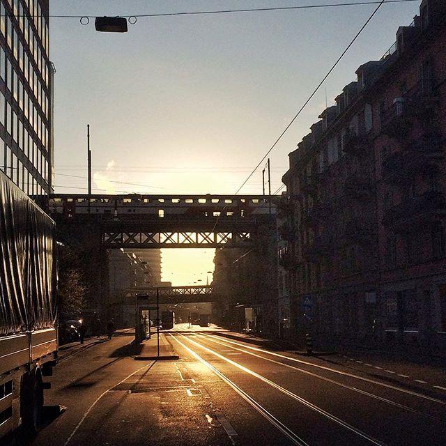 . #öisekreisföif . . Zürich heute Morgen ☀️. . Contcept wünscht allen einen erfolgreichen Tag!. .