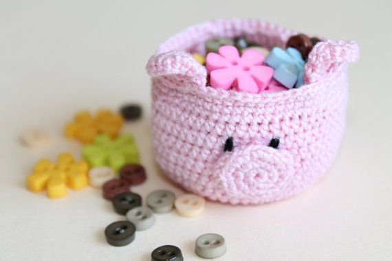 a tiny pig basket