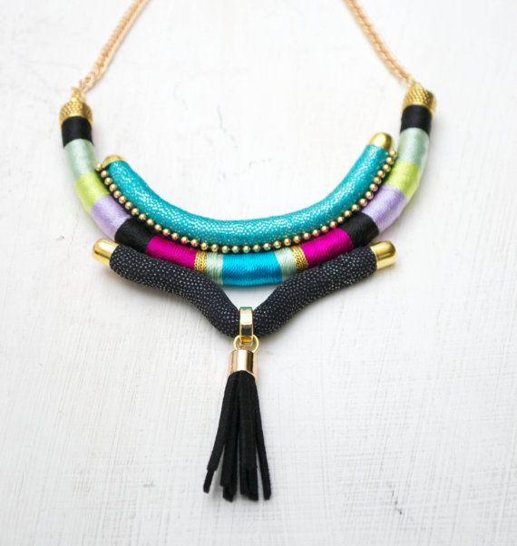 Tribales collar borla collar collar geométrico babero collar tela collar cuerda Resumen collar collar étnico