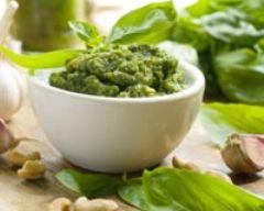Pesto (facile, rapide) - Une recette CuisineAZ