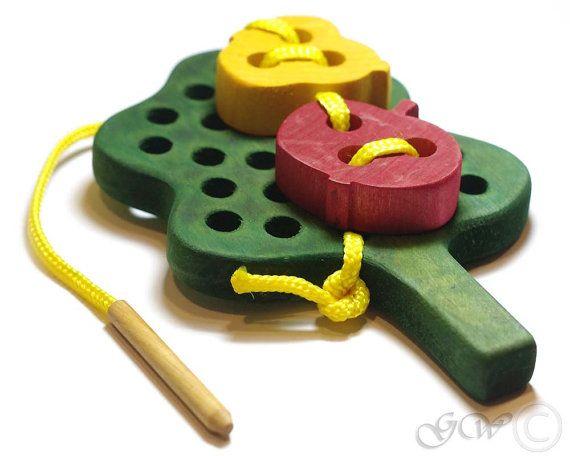 Spielzeug aus Holz Schnürung hölzernen Frucht Baum von GreenWoodLT