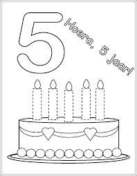 Afbeeldingsresultaat voor taart kleurplaat met 5-6 kaarsen