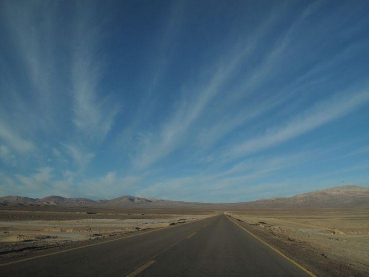 En camino a Minera El Peñon, Atacama. On the way to El Peñon Mine, Atacama.