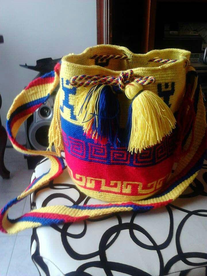 Tricolor Nacional. Realizada por Esmilda Garcia. L