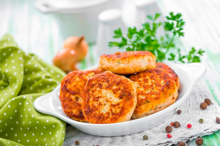 This week's recipe is sure to spice up your life! These amazing Thai flavoured burgers are 200 calories per portion so suitable for those on Step 2.