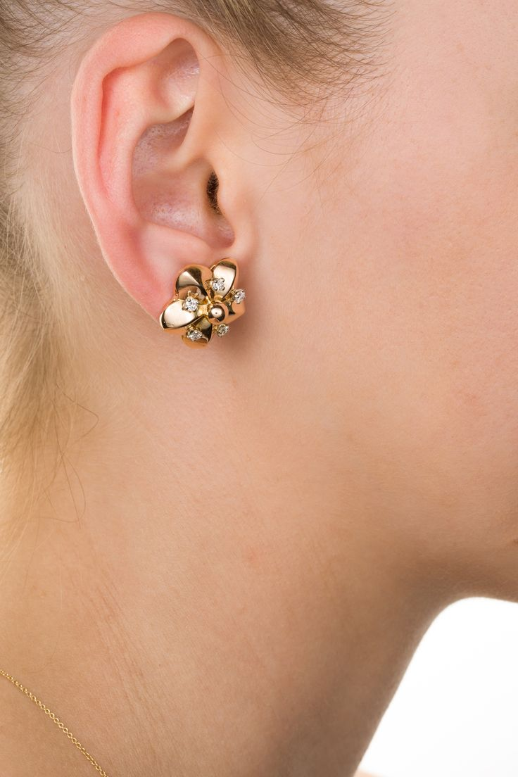 Gorgeous 18k & diamond floral earrings. Sweet and great for everything. Available on www.1stdibs.com - The Jewellery Trading Company