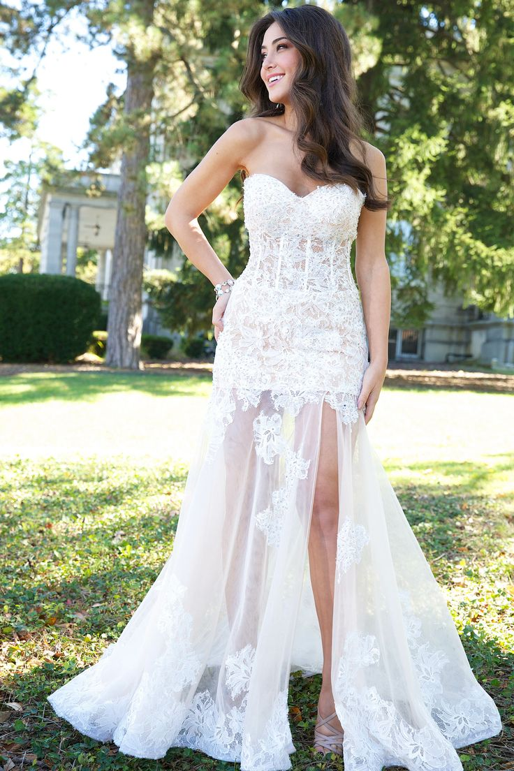 17 Best ideas about Vegas Wedding Dresses on Pinterest - Short ...