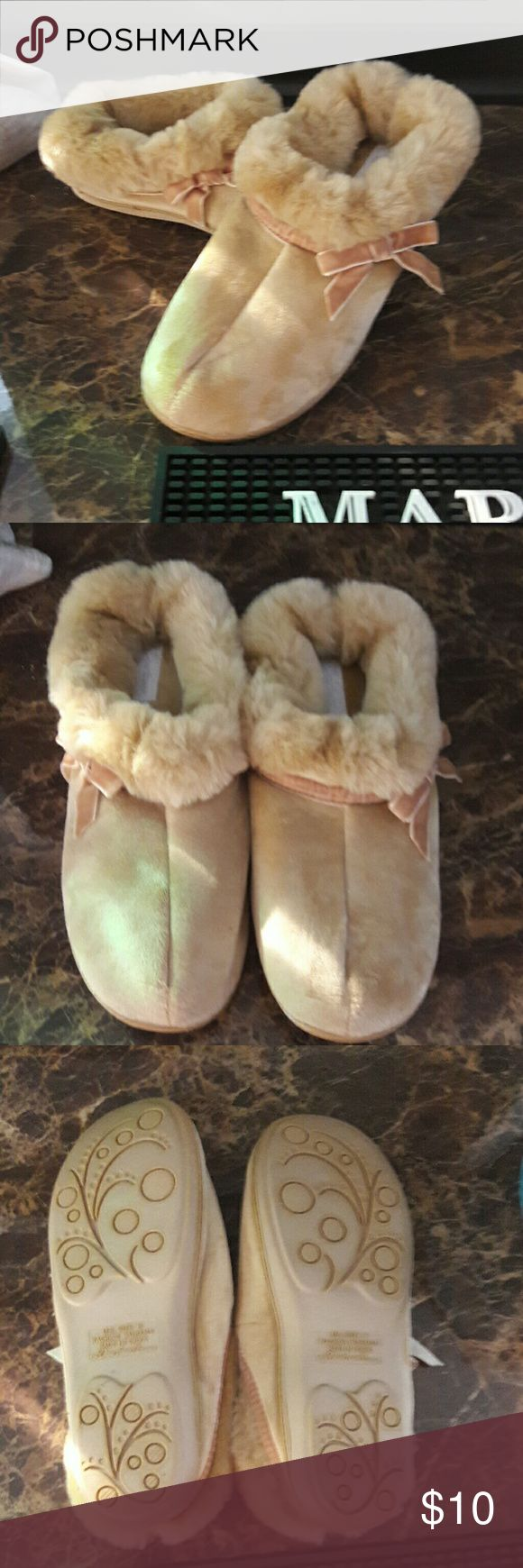 1000 Ideas About Bedroom Slippers On Pinterest Fur 1950s And