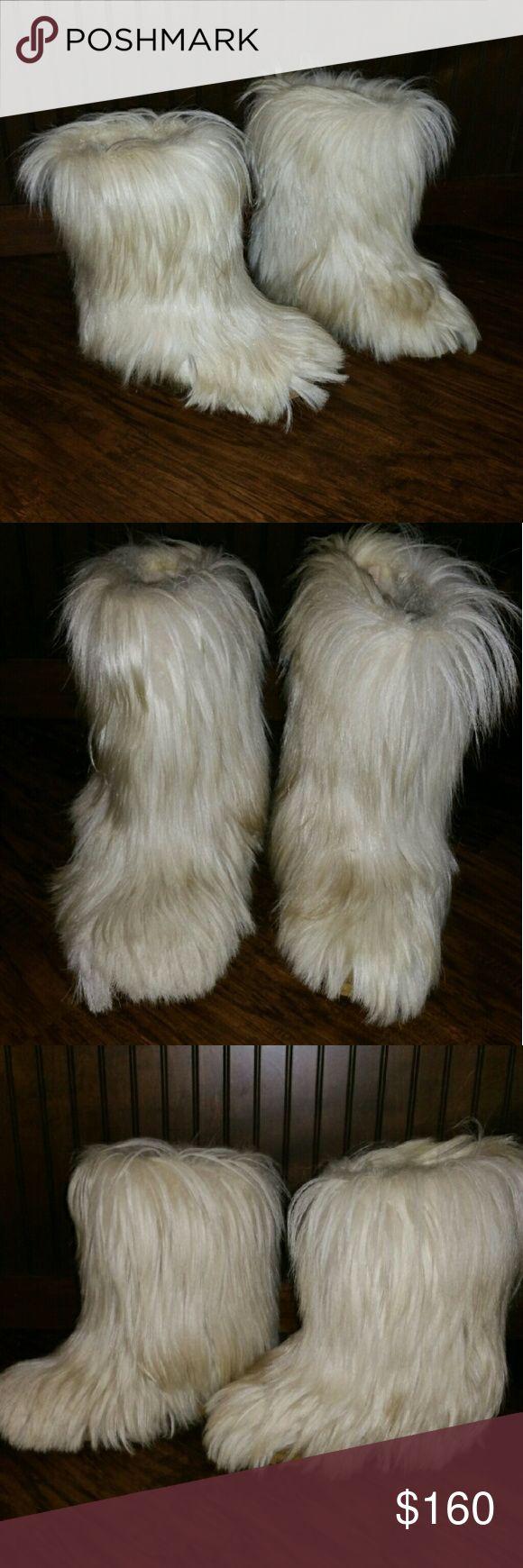 Vintage Yetti Italian 70s Goat Fur After Ski Boots I