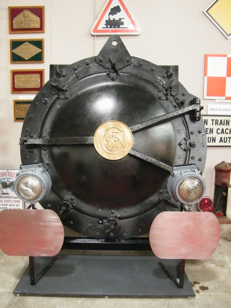 Porte de boite à fumée et plaques de constructeurs de locomotives