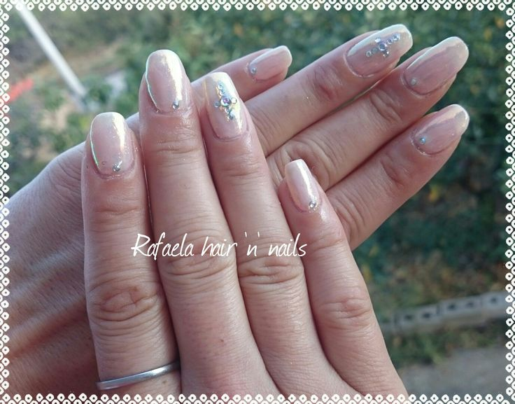 nails, nude mails, mermaid effect, crystals