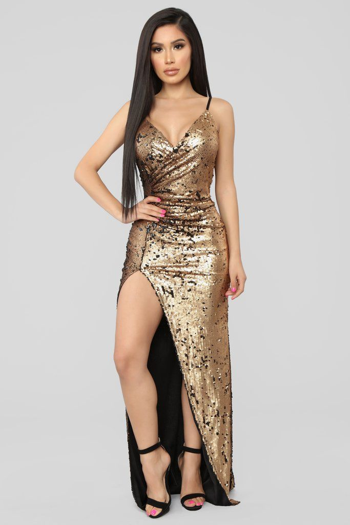 af086f559b7 She Must Be Famous Sequin Dress - Gold in 2019
