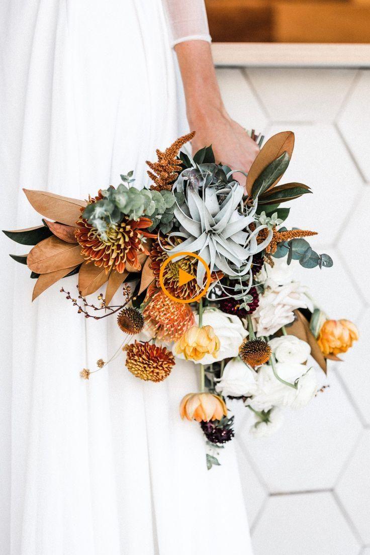 We Houden Van Deze Woestijnchique Palm Springs Bruiloft Chic Deze Bruiloft Lie Huwelijksideeen In 2020 Bruiloft Bloemstukken Bruiloftbloemen Herfst Bruiloft