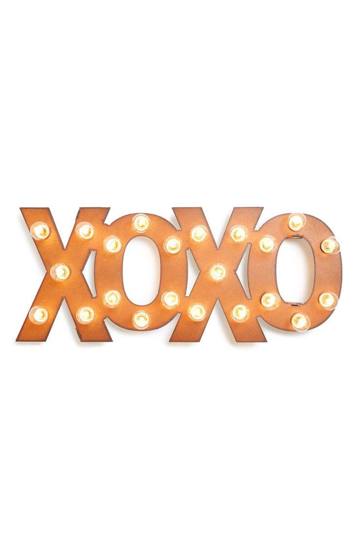 XOXO | Marquee lights
