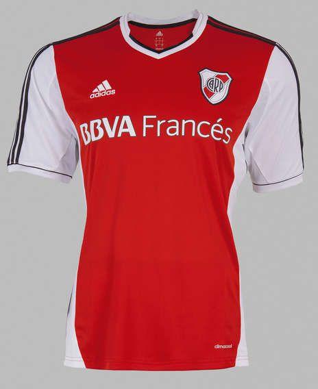 El frente de la nueva camiseta de River.